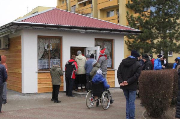 """Obok kawiarenki """"Pożytecznych"""" w Policach staną stojaki na rowery"""