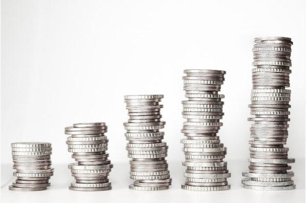 Emeryci i renciści zapłacą mniejszy podatek