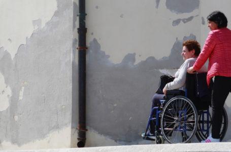 Samorządy mogą już starać się o fundusze na asystenta osoby niepełnosprawnej