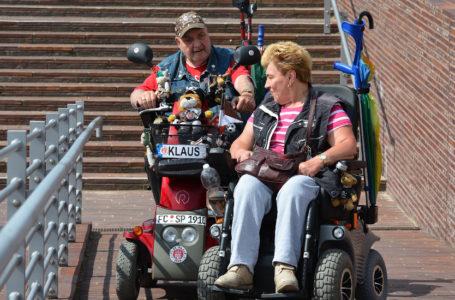 Niedostępne miejsca publiczne – duża przeszkoda dla osób starszych i niepełnosprawnych