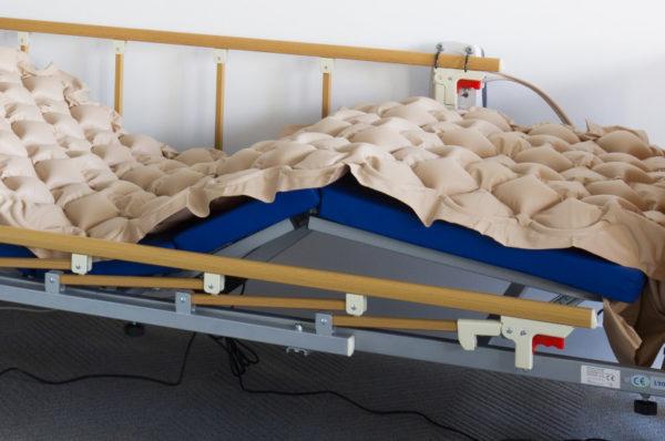 1000 łóżek z materacami przeciwodleżynowymi w internetowej wypożyczalni