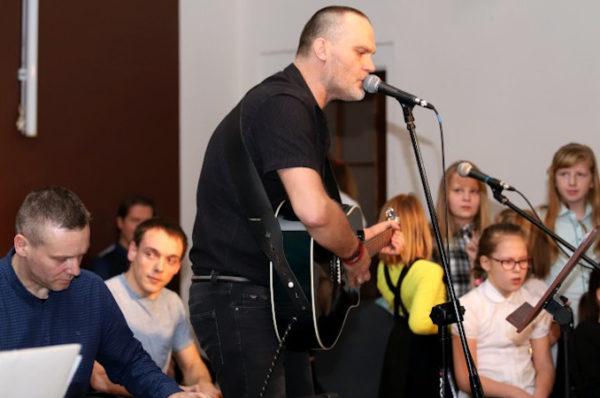 Police: zespół Serca Rytm wystąpił w Klubie Nauczyciela