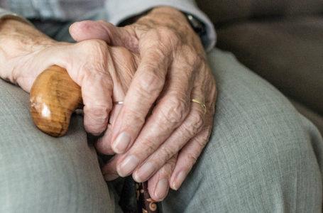 Jak chronić osoby starsze przed najczęstszymi schorzeniami?