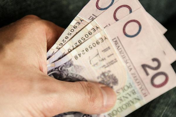 Dorabiasz do renty lub wcześniejszej emerytury? Do 2 marca musisz złożyć oświadczenie