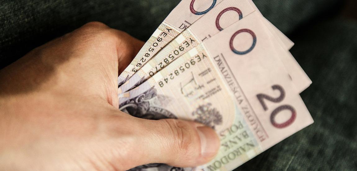 Kilka banknotów 20-złotowych