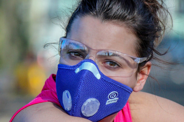 Kto nie musi zakrywać nosa i ust?