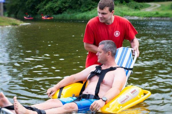 Radio Gdańsk: nad jeziorem Końskim można wypożyczyć amfibię dla niepełnosprawnych