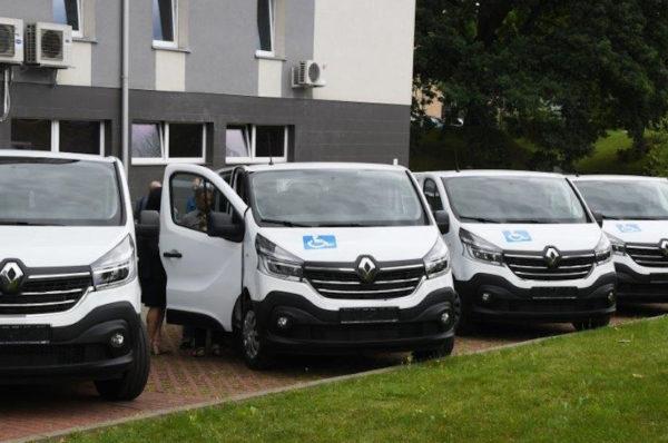 5 Domów Pomocy Społecznej z powiatu koszalińskiego ma nowe samochody