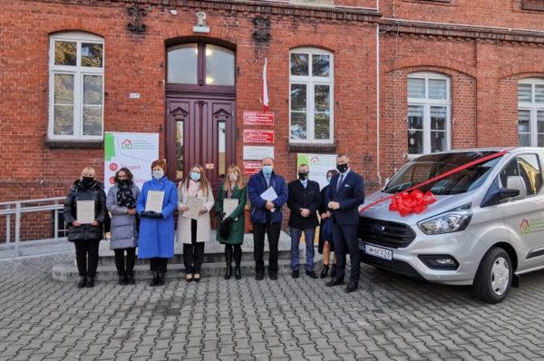 PFRON sfinansował zakup samochodu dla ŚDS w Kątach Wrocławskich