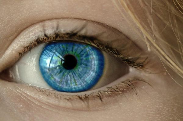 Syntetyczny implant rogówki przełomem w leczeniu osób niewidomych?