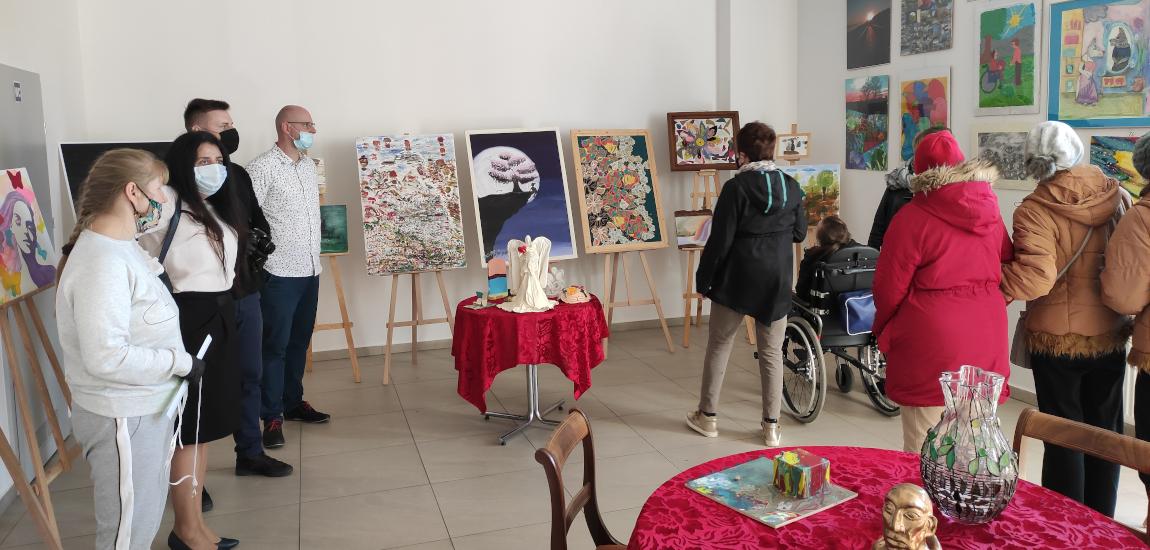 Wystawa twórczości osób niepełnosprawnych