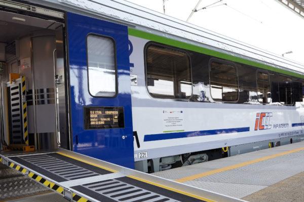 PKP Intercity odebrało kolejnych 30 wagonów przystosowanych dla osób niepełnosprawnych