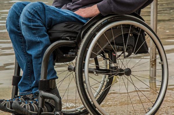 Bezpłatny transport door-to-door  dla osób z potrzebą wsparcia w zakresie mobilności – jak zamówić?