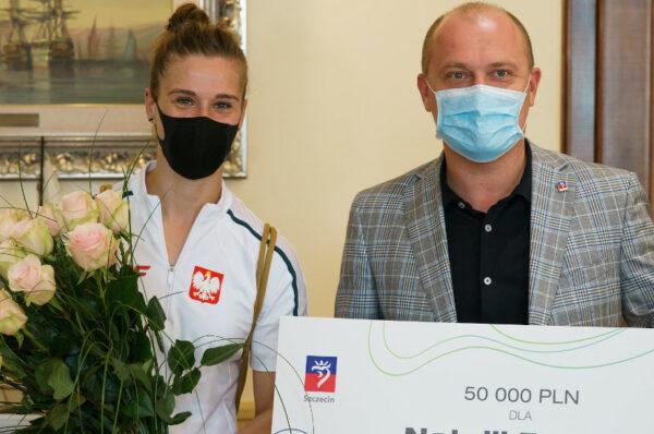 Prezydent Szczecina nagrodził złotą medalistkę paraolimpijską