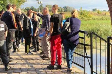 Powiat Policki: wychowankowie SOSW w Tanowie i MOW w Trzebieży wspólnie zwiedzili Ujście Warty oraz Kostrzyn
